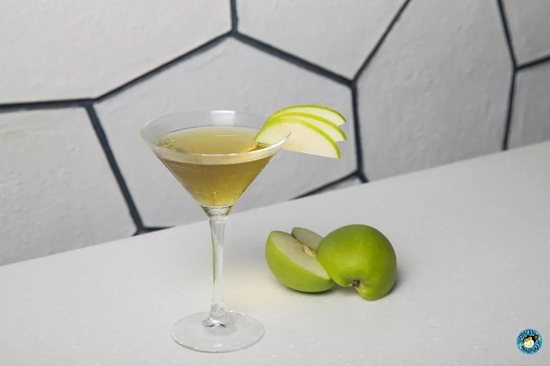 apple-martini-on-a-table