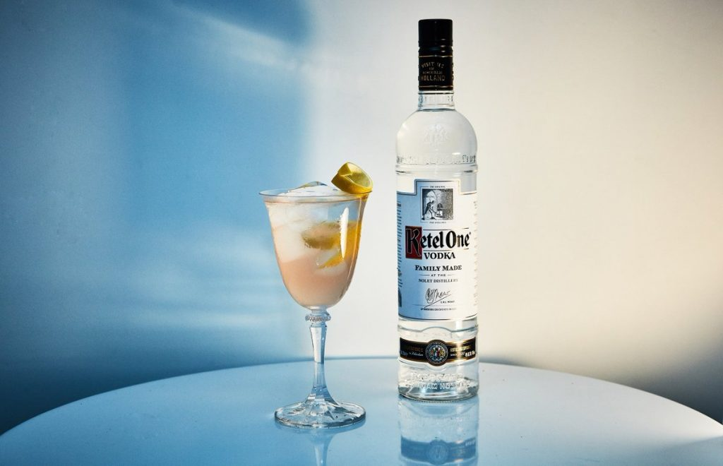 kettle-one-vodka-with-cocktail