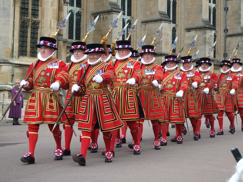 yeoman guards of tower of london marching